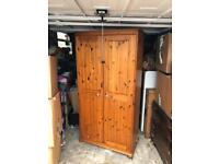 Double wardrobe & chest of drawers