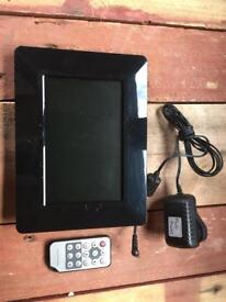 Technika A700 digital photo frame