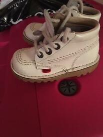 Infant kickers size 7