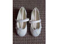 Children's Ivory Shoes - size 8