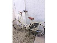 Ladies shopper vintage look bike