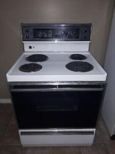 Kitchen Stove + Fridge