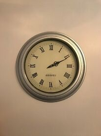 Silver Quartz Wall Clock - Large
