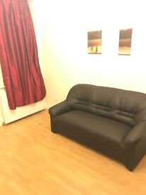 1 bedroom modern spacious flat available r