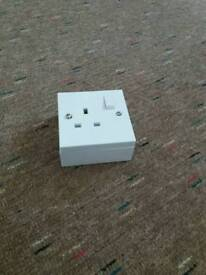 Single electrical socket