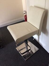 White leather - gas lift high chair