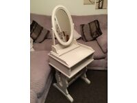 @@SOLID PINE SHABBY CHIC DRESSING TABLE AND MIRROR@@