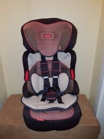 Fisher-Price Safe Voyage Grow with Me Group 1-2-3 Car Seat.