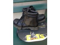 New doctor martens safety boots