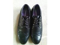Mans full brogue cedarwood state black shoe size 6