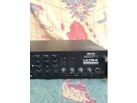 Fractal Axe Fx Pre Amp / Effects Processor