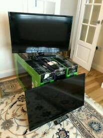 5x 32in SEIKI LED TVs with built in freeview