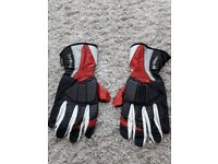 Motorcycle gloves - mens red & black