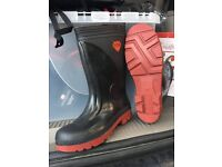 wellingtone boots and waders
