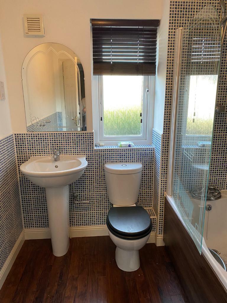 Toilet & Sink Bathroom set  in Pontyclun, Rhondda Cynon Taf  Gumtree