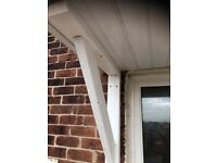 House canopy with brackets