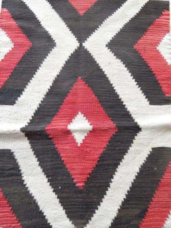 VINTAGE NAVAJO INDIAN RED GANADO  RUG - BOLD CLASSIC DESIGN - NOT A GALLUP