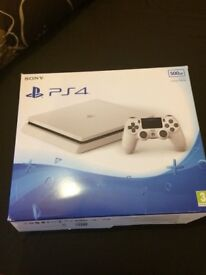 PS4 BOX ONLY !