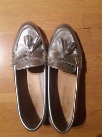 Silver shoes 40