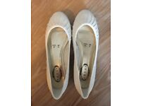 Debenhams Flat Ivory Satin Wedding Shoes size 6. Perfect condition
