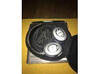 Bose QC15 (QuietComfort) Noise Cancelling Headphones...