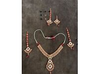 5 piece necklace set