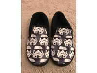 Star Wars slippers-brand new size 11