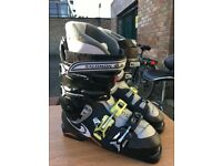 SALOMON SKI BOOTS SIZE 41 - WORN ONCE Plus red boot bag