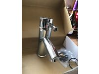 Single mono chrome mixer tap