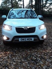 Stunning santa fe 7 seater in sought after white 2012