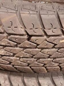 4 pneus d'été Hallmark, Ultimate Premium, 185/75/14, 25% d'usure, mesure 11-10-8-8/32.