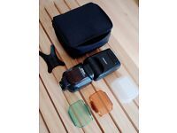 Nikon Speedlight SB-910 Flash with case and accessories