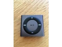 Apple iPod shuffle 5th generation in grey with usb charger
