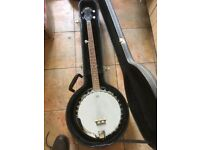 Barnes & Mullins 5 string Banjo & Hard case, tuned and in great condition