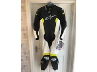 BRAND NEW ALPINESTARS MISSILE TECH AIR LEATHER SUIT SIZE 44/54