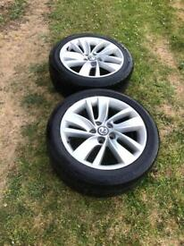 "2 x Insignia 18"" SRi alloys"