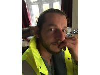 Multi-Skilled tradesman looking for a team for join to