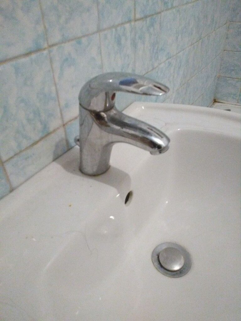 the latest c1c14 91452 Bathroom basin and tap | in Portsmouth, Hampshire | Gumtree