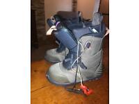 Burton ladies snowboard boots size 5.5
