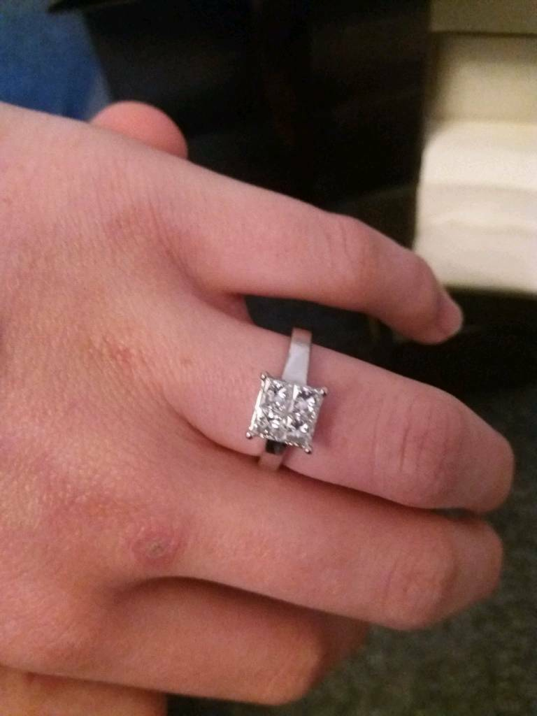 18ct white gold, 1 carat diamond engagement ring   in Wickford ...