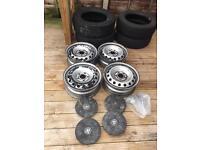 Vauxhall Vivaro Alloy wheels and tires