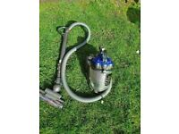 DYSON DC19 T2 Animal CYLINDER VACUUM CLEANER GOOD CONDITION AND FULLY WORKING