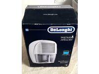 De'Longhi DEM10 Compact Dehumidifier, 10L (new)