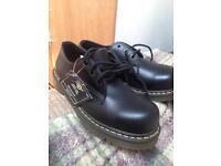Dr martens industrial steel toe safety shoe size 6