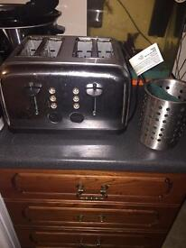 Toaster, kettle and accessories