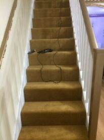Experienced Carpet/ Vinyl (lino) Fitter @ Budget Price available-all areas cover
