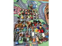 Play-mobile figures and the pirate ship