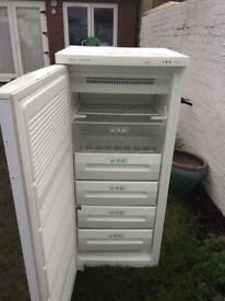 **FREEZER!!**DELUXE**FROST FREE**FREEZER!!!**ONLY £70**FULLY WORKING**COLLECTION\DELIVERY**BARGAIN**