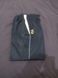 HIGH TUNSTALL UNISEX JOGGING TROUSERS .WORN ONCE. SIZE LB./LY