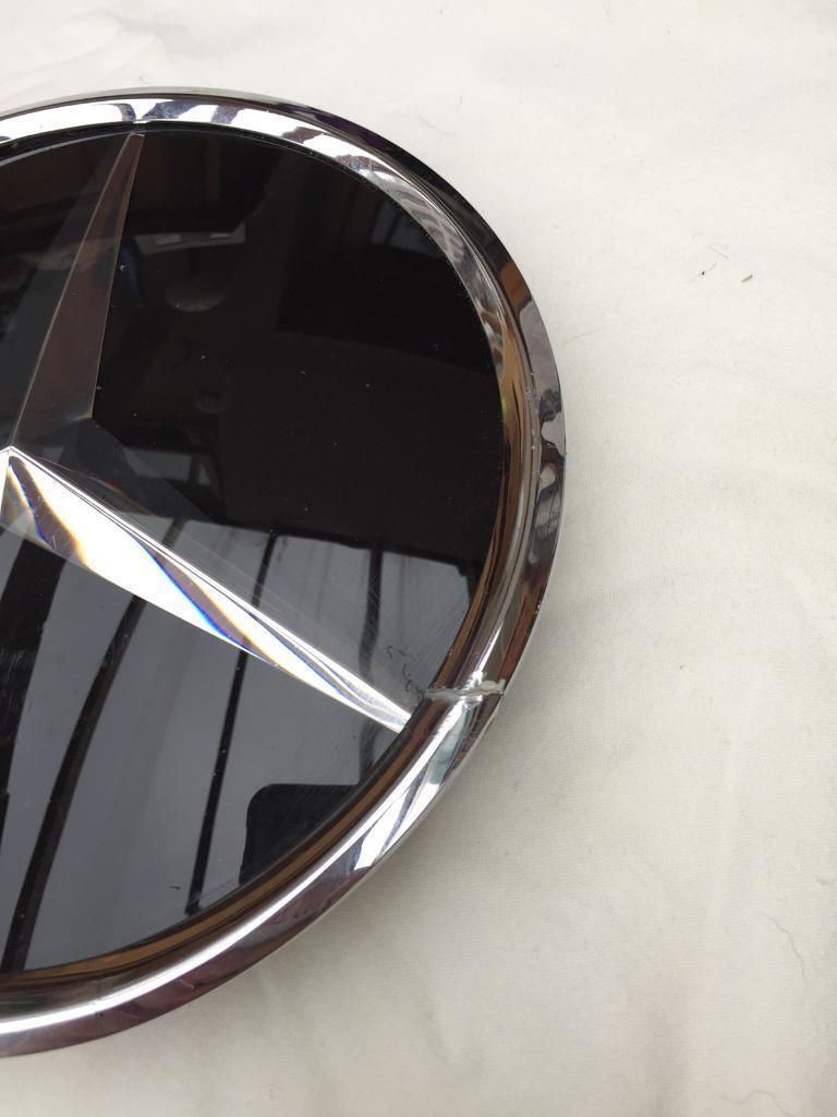 Mercedes emblem/badge A1648880411